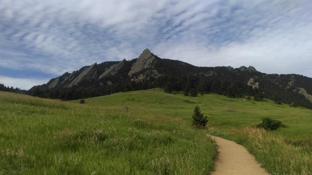 boulder flat irons, mountain, gravity waves